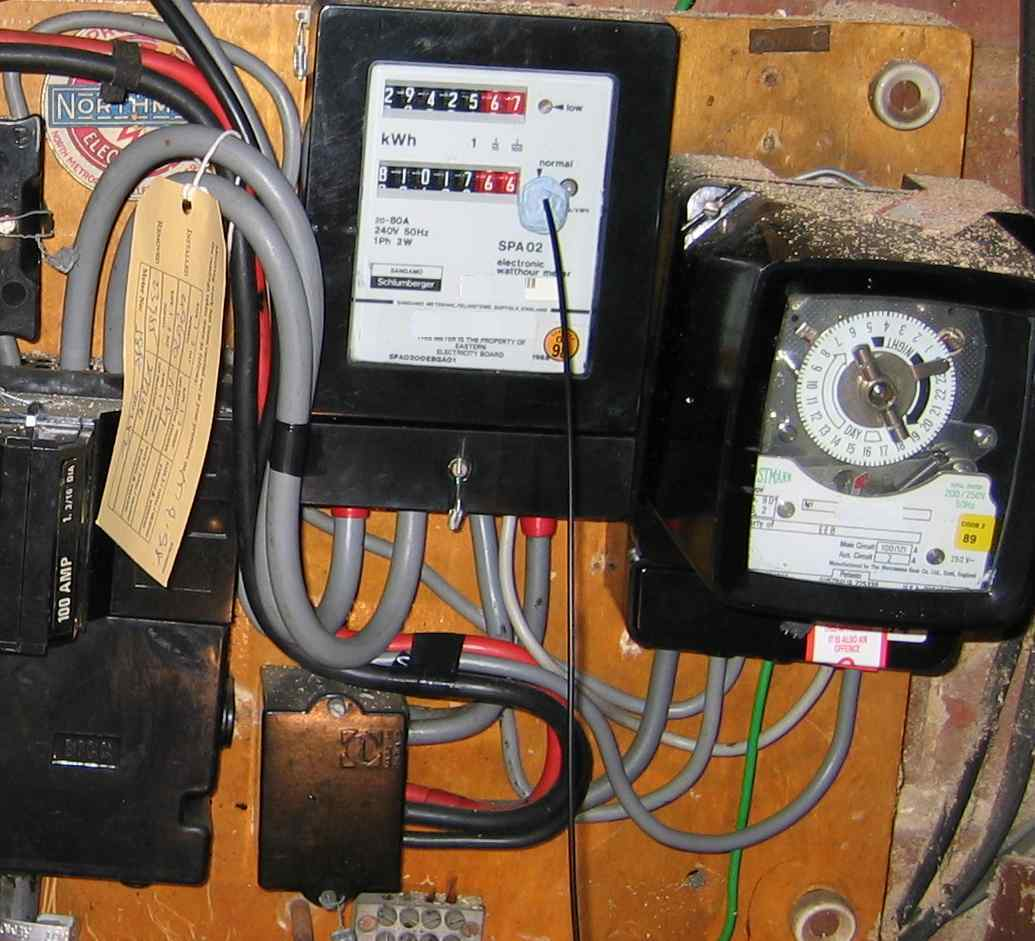 290426 Getting Brake Pedal Pin Out together with How To Rewire A L additionally Small Utility Trailer Wiring Diagram With Brakes besides Help required with 3pdt switch wiring as well Why Are There Four Electrical Lines 12 Wires In This Ceiling Fan Box. on old 4 way switch diagram